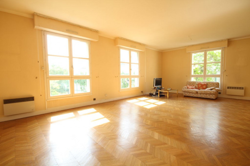 Sale apartment Saint germain en laye 780 000€ - Picture 1