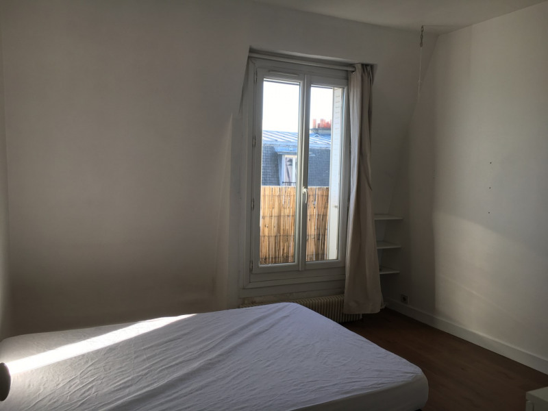 Location appartement Paris 18ème 920€ CC - Photo 3