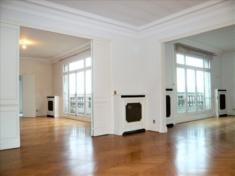 Location appartement Paris 7ème 8 582€ CC - Photo 1