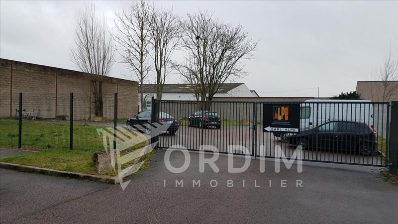 Location local commercial Auxerre 2179€ HC - Photo 9
