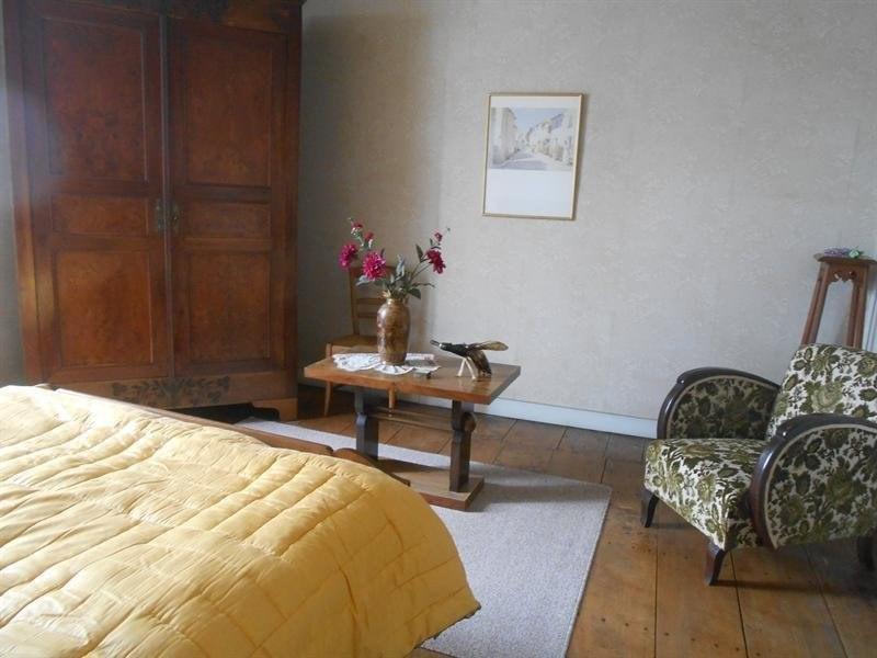 Sale house / villa Montlieu la garde 214000€ - Picture 9