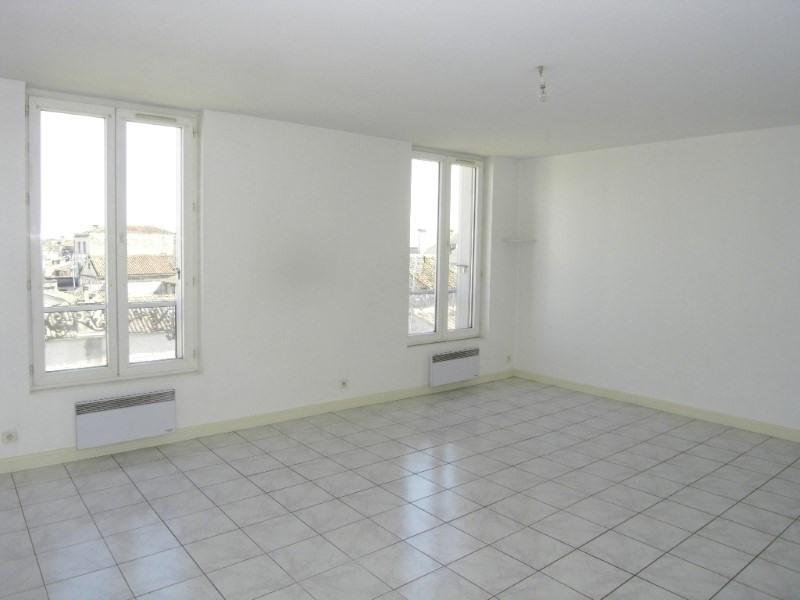 Location appartement Cognac 423€ CC - Photo 1