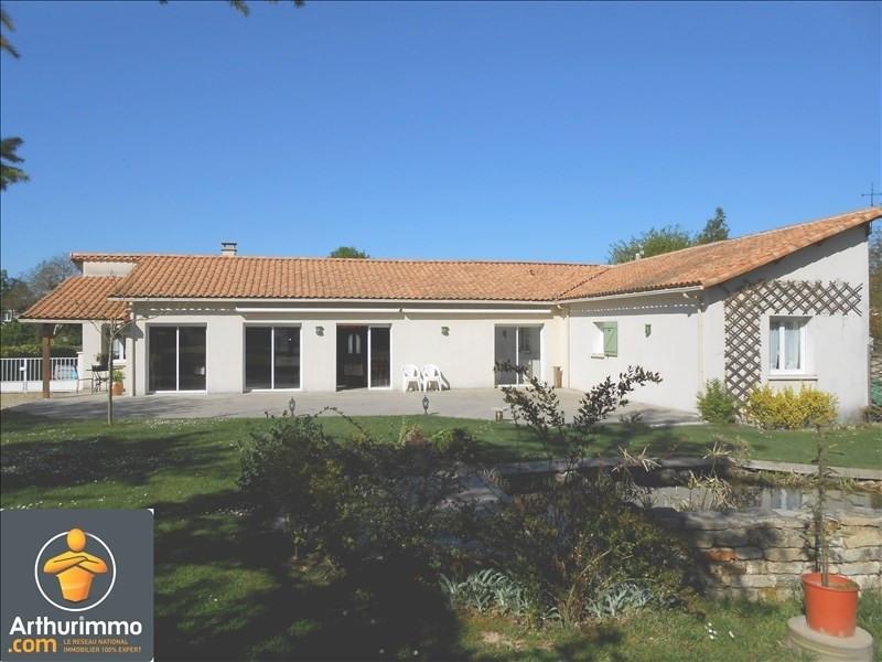 Sale house / villa Chize 285000€ - Picture 1