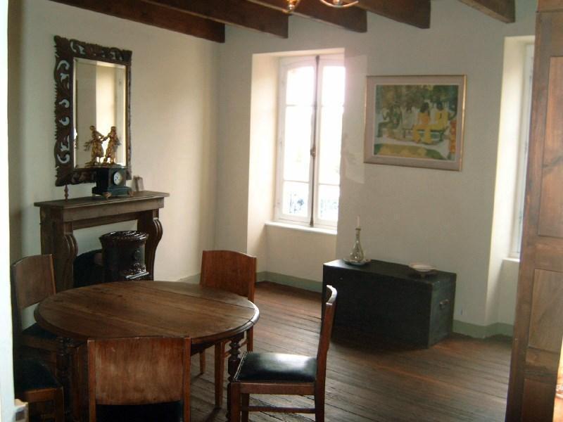 Sale house / villa Pont croix 93450€ - Picture 1