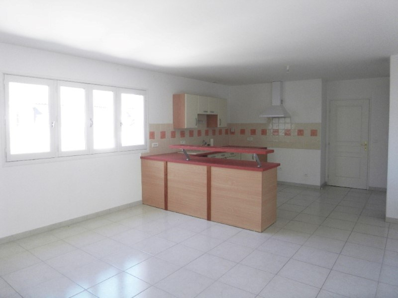 Location appartement Cognac 985€ CC - Photo 3
