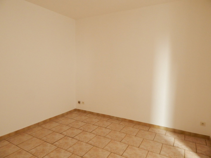 Location appartement Salernes 600€ CC - Photo 4