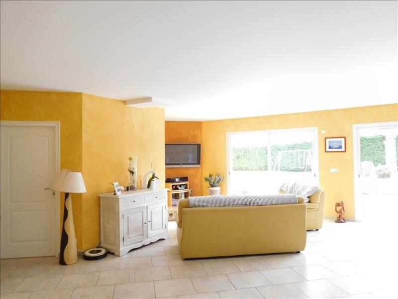 Sale house / villa Laruscade 339000€ - Picture 2