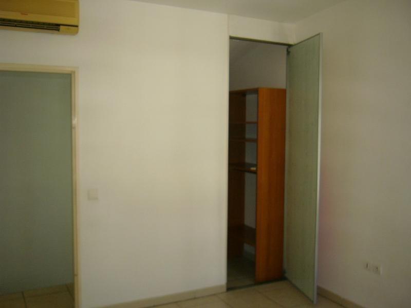 Rental apartment St denis 721€ CC - Picture 8