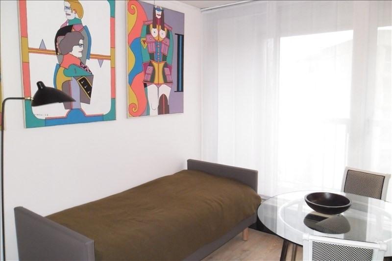 Rental apartment Paris 20ème 1100€ CC - Picture 2