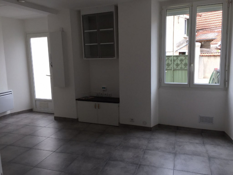 Rental apartment Champlan 595€ CC - Picture 2