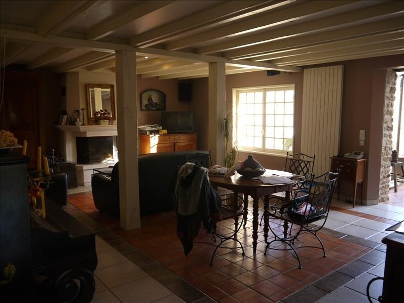 Sale house / villa Orvilliers 405000€ - Picture 1