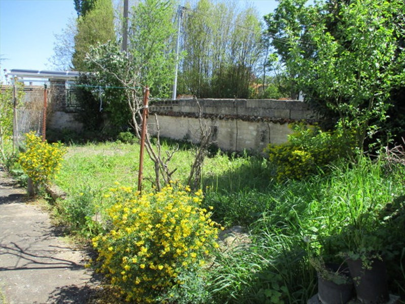 Sale house / villa Loulay 59400€ - Picture 6