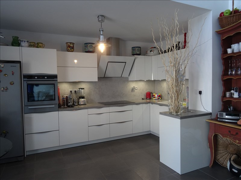 Deluxe sale apartment Frejus 576 000€ - Picture 2