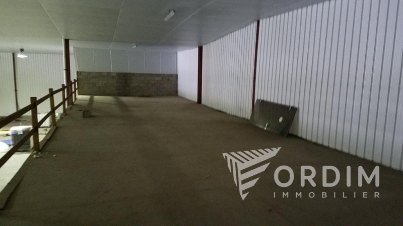 Location local commercial Arcy sur cure 36000€ HC - Photo 9