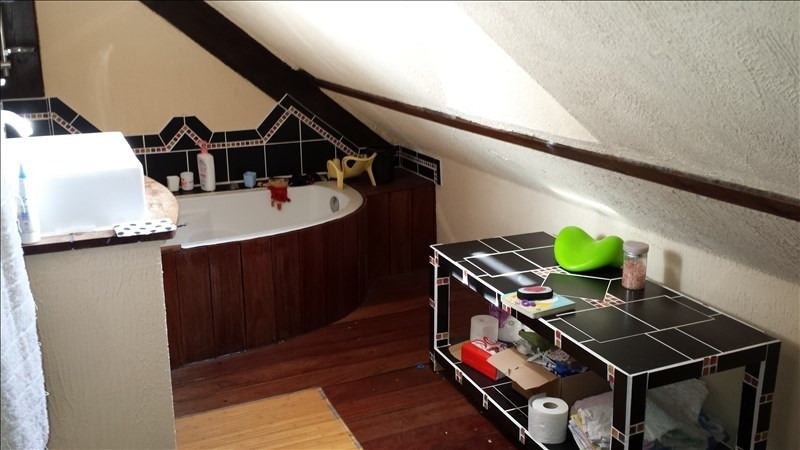 Location maison / villa Guenouvry 583€ CC - Photo 8