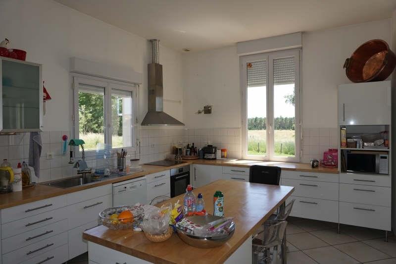 Sale house / villa Etauliers 233000€ - Picture 3