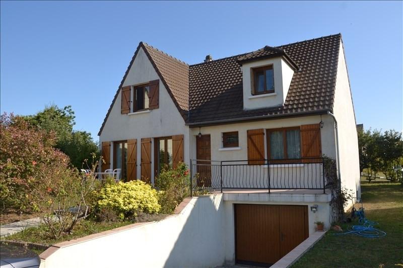 Sale house / villa Osny 422000€ - Picture 1