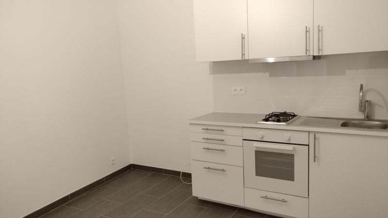 Rental apartment St germain en laye 695€ CC - Picture 2