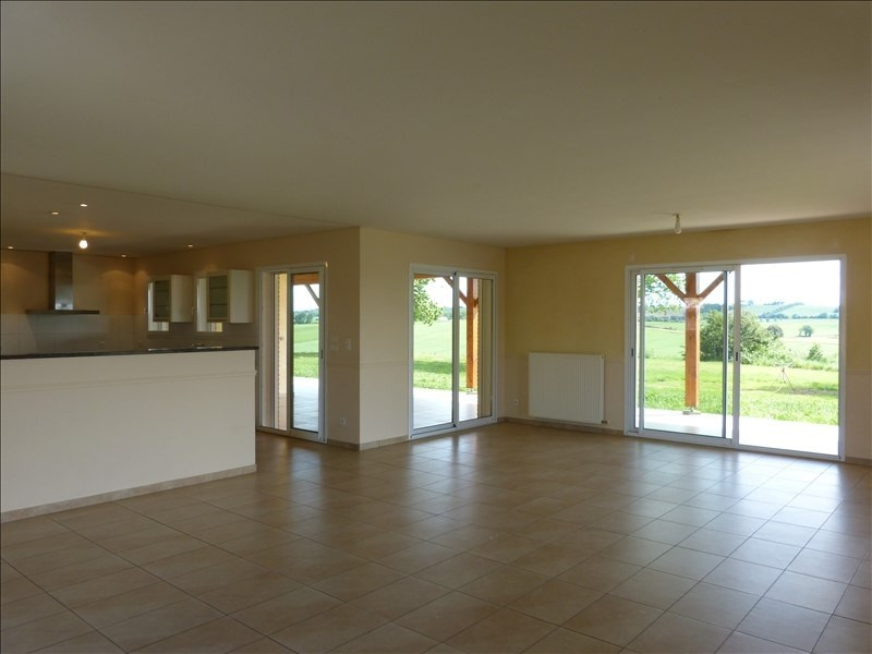 Location maison / villa Caraman 1 250€ CC - Photo 5