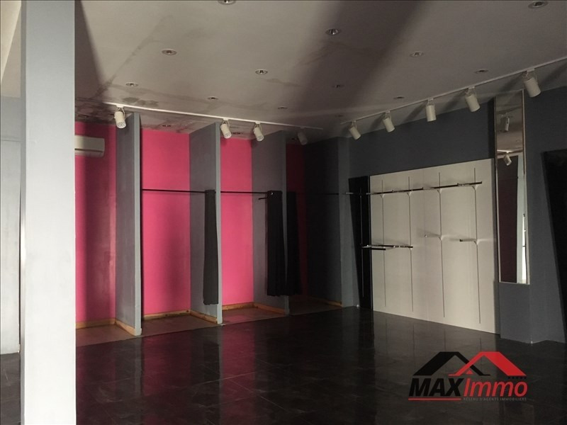 Location local commercial St louis 850€ HT/HC - Photo 1