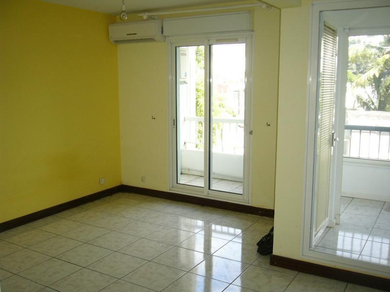 Location appartement St denis 450€ CC - Photo 3