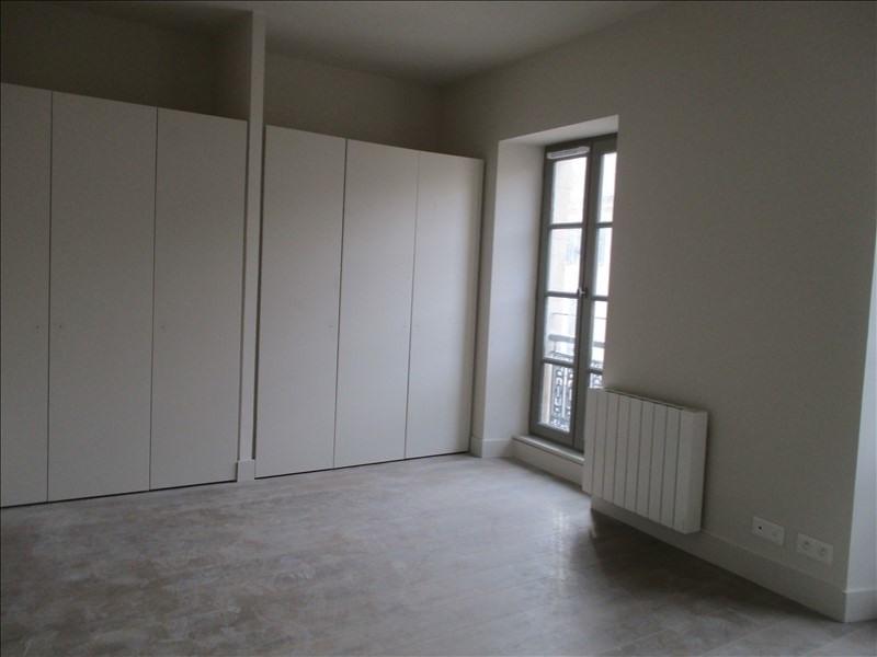 Verhuren  appartement Nimes 586€ CC - Foto 4
