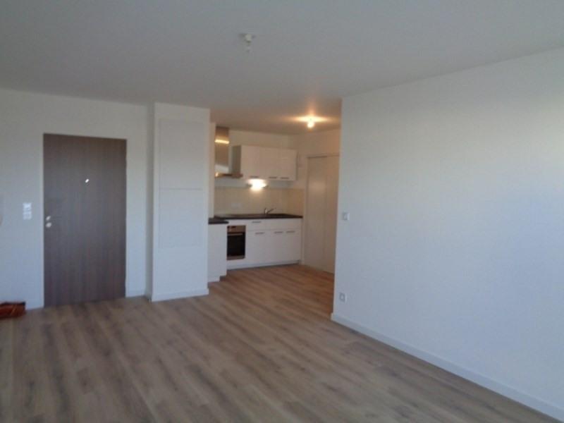 Location appartement Sainte luce sur loire 675€cc - Photo 2