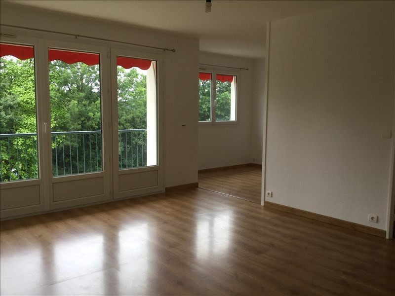 Rental apartment Bures sur yvette 993€ CC - Picture 2