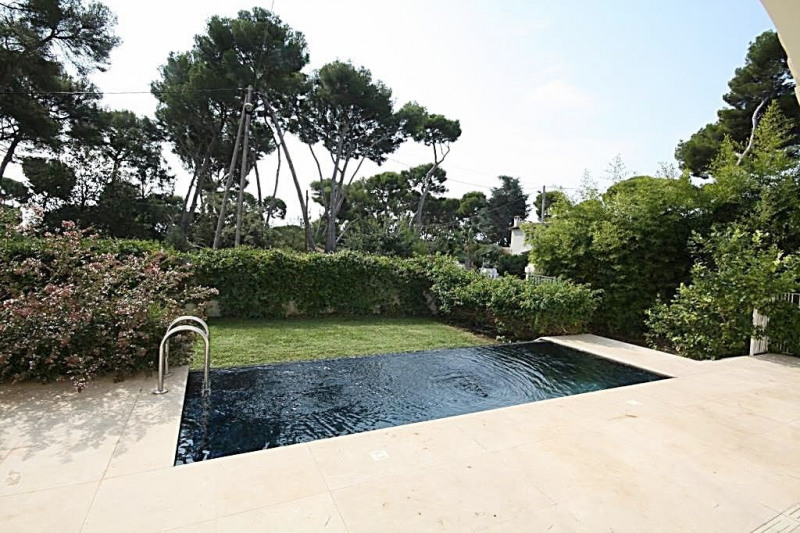 Deluxe sale house / villa Cap d'antibes 2 150 000€ - Picture 1