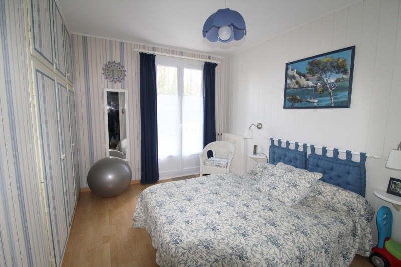 Sale house / villa Maurepas 451000€ - Picture 4