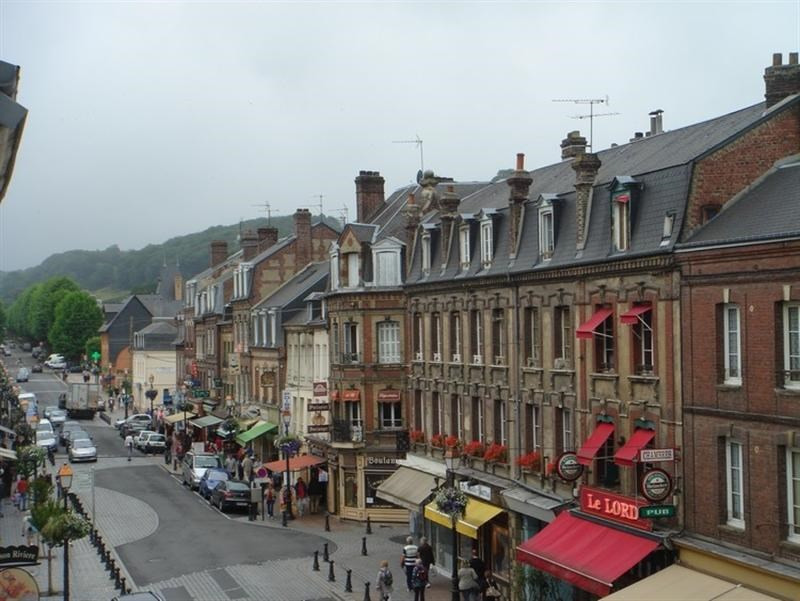 Commercial lease transfer shop Honfleur 98 000€ - Picture 1