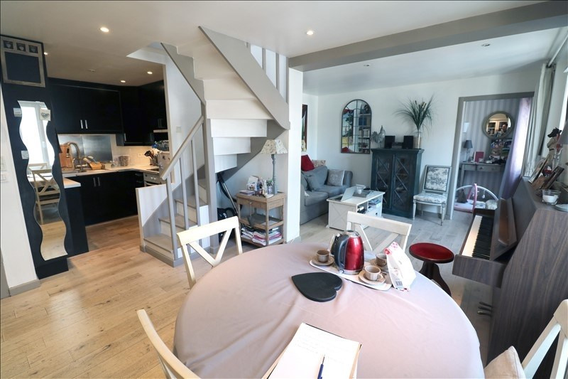 Sale apartment Versailles 250 000€ - Picture 1