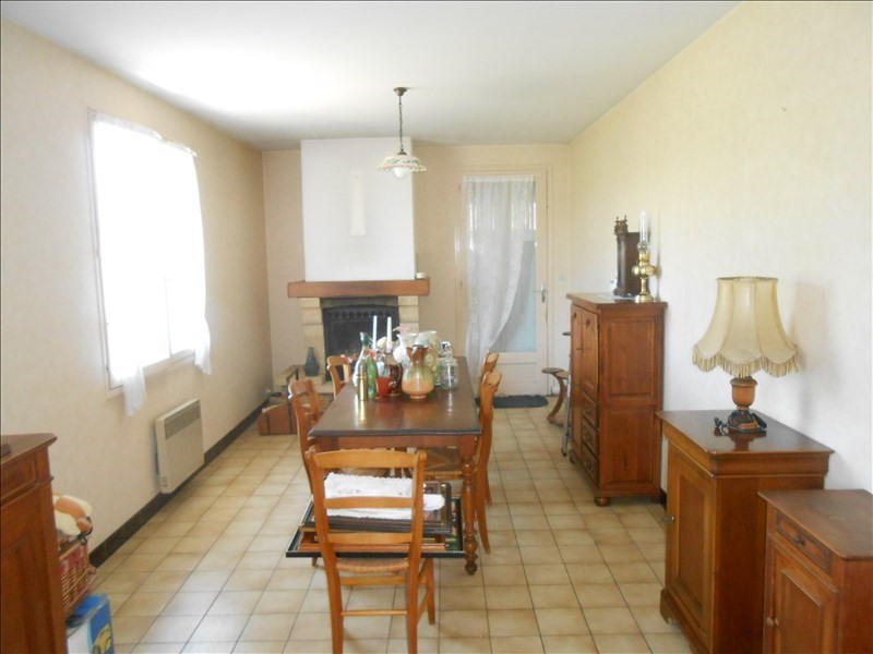 Sale house / villa St jean d angely 133 125€ - Picture 2