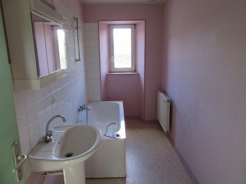 Sale house / villa Monthuchon 96000€ - Picture 5