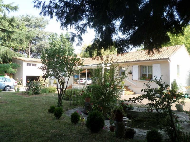 Vente maison / villa Lussac les chateaux 230000€ - Photo 2