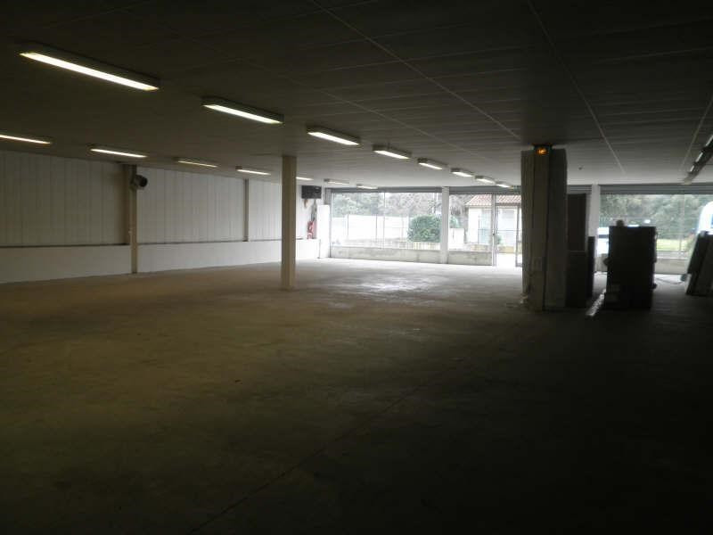 Location local commercial Pernes les fontaines 2520€ +CH/ HT - Photo 4