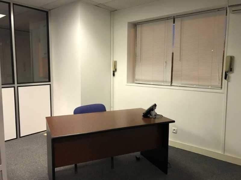 location bureau p ne yvelines 78 165 m r f rence n 631127w. Black Bedroom Furniture Sets. Home Design Ideas