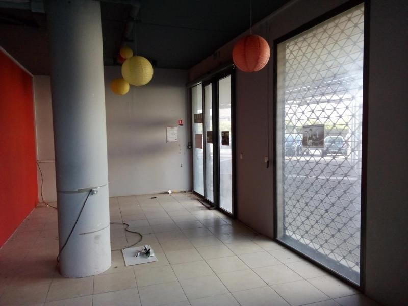 Location local commercial St pierre 3349€ HT/HC - Photo 2