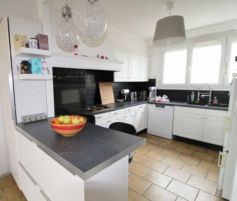 Sale house / villa Maurepas 267750€ - Picture 1