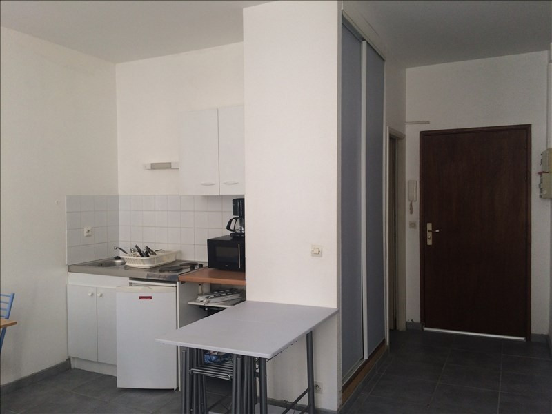Rental apartment Pau 330€ CC - Picture 1