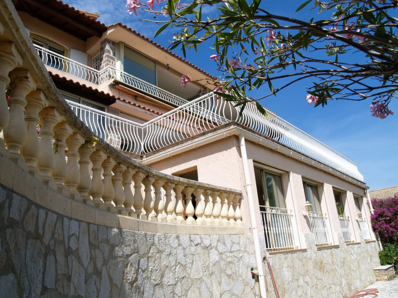 Vente maison / villa Les issambres 898000€ - Photo 2