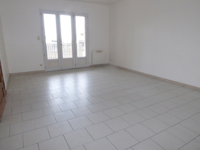 Location maison / villa Vogüé 618€ CC - Photo 4