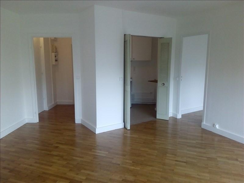 Location appartement Paris 14ème 1260€ CC - Photo 1