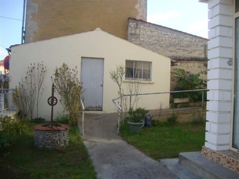 Vente maison / villa Saint-jean-d'angély 94100€ - Photo 2