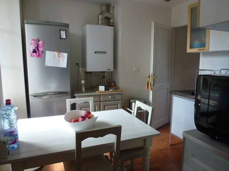 Location appartement Fontainebleau 1 090€ CC - Photo 3
