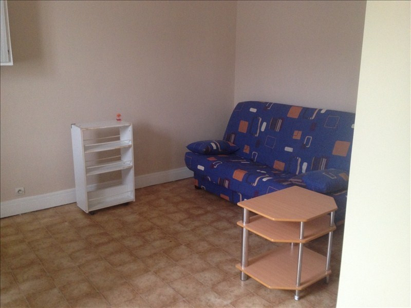 Rental apartment Vendome 250€ CC - Picture 2