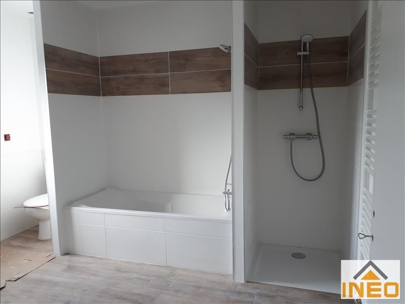 Location maison / villa Melesse 1 010€ CC - Photo 7