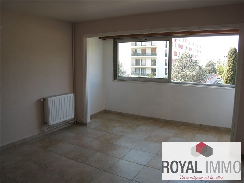 Sale apartment Hyeres 127000€ - Picture 2