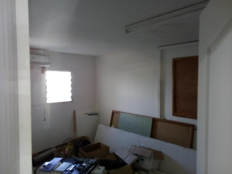 Location boutique St pierre 800€ HT/HC - Photo 2
