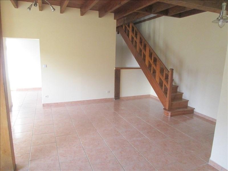 Rental house / villa St pierre de juillers 520€ CC - Picture 3